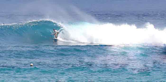 lembongan surfing sites